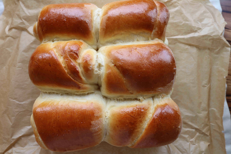 Asiatische_Milchbrötchen_leib